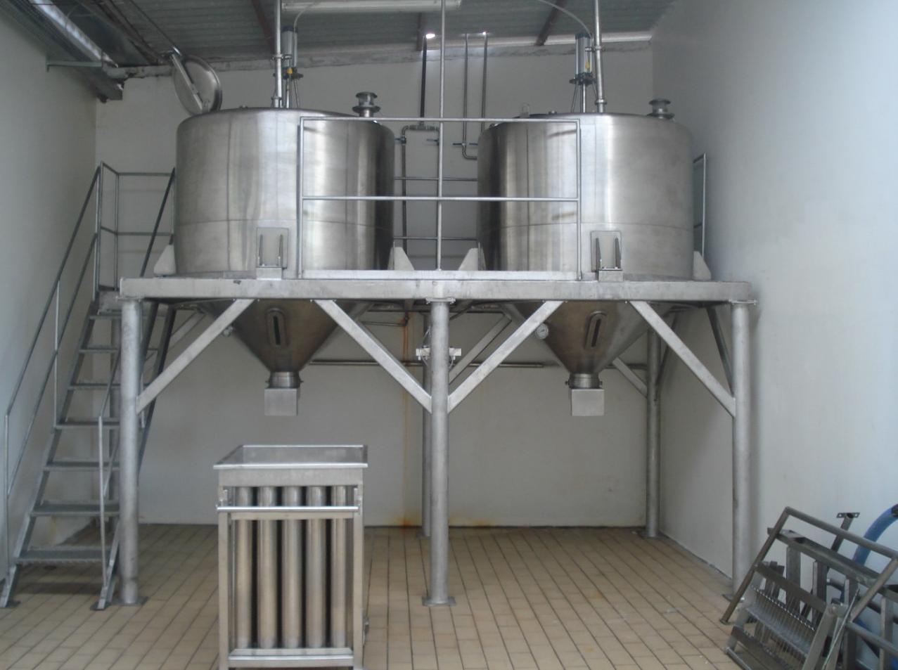 Aparelho para produção de queijo tipo ricota